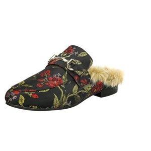 Steve Madden Slide-on Womens Shoes